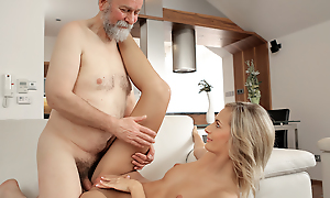 Be proper of age bloke penetrates beautiful wife approximately grey increased by young video