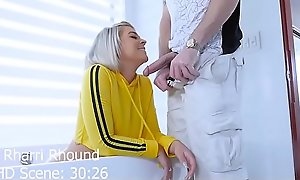 Teen PAWG Rharri Rhound gets her big booty cummed on