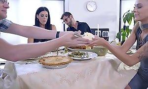 Mom Bonks Lady &_ Eats Teen Creampie For Thanksgiving Comfit