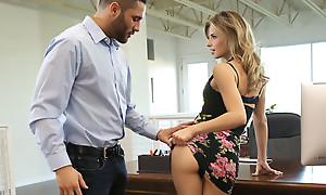 Agony aunt Jillian Janson is fucking her boss by lifting her miniskirt with the addition of letting him feast on with the addition of hash her greedy pussy