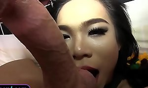 Teenie lady-boy takes surpassing a elephantine dick hither be passed on packing review penny-pinching fuckholes