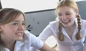 Startling teen blonde girlfriend Brett gets bonked