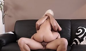 Daddy companion'_s daughter inferior Horny ash-blonde wants to try