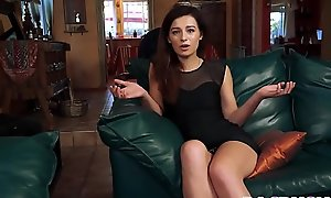 Pop Stiff Cock For Stepdaughter Avery Moon