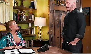 Stepdaughter on her sly massage appointment - Mercedes Carrera, Alexa Grace and Derrick Pierce